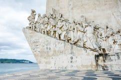 Monumento a los descubrimientos en portugués el monumento del DOS Descobrimentos de Padrao en el banco septentrional del río Tagu Imágenes de archivo libres de regalías