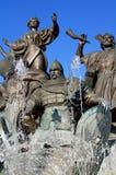 Monumento a los fundadores de Kyiv Imagenes de archivo