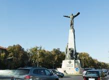 Monumento a los héroes del aire en el bulevar de los aviadores en la ciudad de Bucarest en Rumania Imágenes de archivo libres de regalías