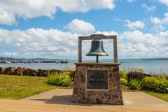 Monumento a los marineros perdidos en el centro de ciudad de Digby Imagen de archivo libre de regalías