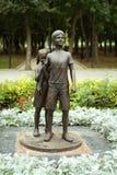 Monumento a los niños en Donetsk Imagen de archivo
