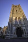 Monumento medieval Abadía de Wymondham encendida por puesta del sol Fotos de archivo libres de regalías