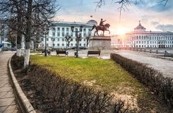Monumento a Mikhail Tverskoy en Tver foto de archivo libre de regalías
