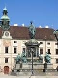 Monumento nel patio del palazzo imperiale di Hofburg a Vienna, Austria fotografia stock libera da diritti