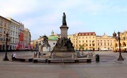 Monumento no quadrado foto de stock