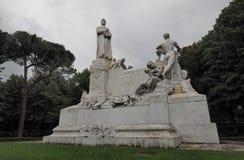 Monumento a Petrarca de Arezzo, Italia Imagen de archivo libre de regalías