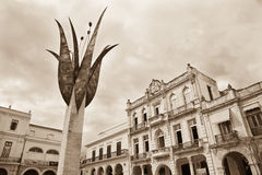 Monumento, plaza Vieja, Avana, Cuba immagini stock