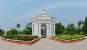 Monumento in Pondicherry, India del parco di Aayi Mandapam fotografia stock libera da diritti