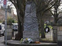 Monumento por Grand Canal en Dublín para 1916 levantamientos de Pascua imagenes de archivo