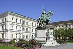 Monumento a re Ludwig I, quadrato di Odeonsplatz a Monaco di Baviera Fotografia Stock