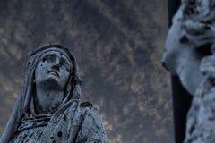 Monumento religioso - Maria en la escena de la crucifixión Fotografía de archivo libre de regalías