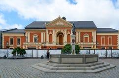 Monumento a Simon Dach al teatro di dramma, Klaipeda, Lituania Immagine Stock