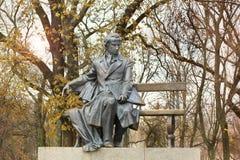 Monumento a Taras Shevchenko Cernihiv fotografia stock libera da diritti