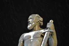 Monumento Tula/noche/invierno 2018 de Demidov imagenes de archivo