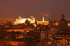El della Patria de Altare en la noche Fotografía de archivo libre de regalías