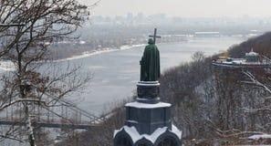 Monumento a Vladimir The Baptist em Kiev, Dia de inverno fotos de stock