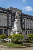 Monumento y aduanas de Cubas de los sujetadores que construyen Alfandega en el cuadrado de la república de Praça DA República - Fotografía de archivo