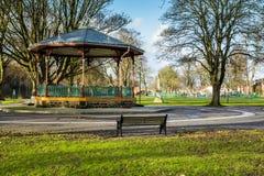 Monumento y estrado de la orquesta titánicos, parque del muelle, Dumfries Fotografía de archivo