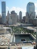 Monumento y museo nacionales del 11 de septiembre en el sitio del World Trade Center Imagen de archivo libre de regalías
