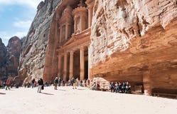 Monumento y plaza del Hacienda en el Petra antiguo de la ciudad Fotografía de archivo