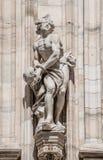 Monumentos en la fachada de la catedral de Milano, di Milano del Duomo, imagen de archivo libre de regalías