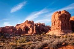 Monumentos naturales en parque nacional de los arcos imágenes de archivo libres de regalías