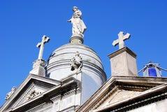 Monumentos velhos no cemitério de Recoleta Fotografia de Stock