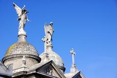 Monumentos velhos no cemitério de Recoleta Fotografia de Stock Royalty Free