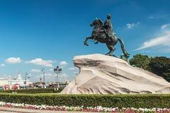 monumentpeter för kejsare stor ryss Arkivbild