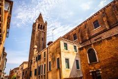 Monuments architecturaux célèbres et façades colorées du vieux plan rapproché médiéval n Venise, Italie de bâtiments Image stock