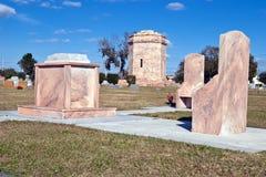 Monuments de marbre dans le cimetière Images stock