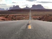 monumentväg till dalen Arkivfoto