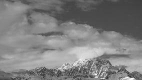 Monviso door wolken wordt behandeld die Royalty-vrije Stock Afbeelding