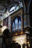 MONZA, ITALY/EUROPE - 28 DE OCTUBRE: Órgano en el duomo de la catedral Imagen de archivo