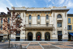 MONZA, ITALY/EUROPE - 28 DE OUTUBRO: Construção de Desio do banco em Monza Foto de Stock