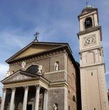 MONZA, ITALY/EUROPE - 28. OKTOBER: Fassade der Kirche St.-GEs lizenzfreie stockbilder