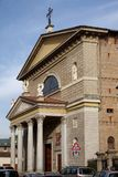 MONZA, ITALY/EUROPE - PAŹDZIERNIK 28: Fasada kościół St Ge zdjęcie stock