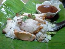 Moo Krob Khao (рис с кудрявым свининой) Стоковая Фотография RF