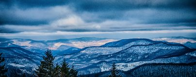 Mooi aard en landschap rond de toevlucht van de sneeuwschoenski in cass royalty-vrije stock foto