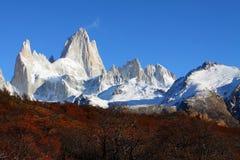 Mooi aardlandschap met Mt. Fitz Roy zoals die in Los Glaciares Nationaal Park, Patagonië, Argentinië wordt gezien Stock Foto's