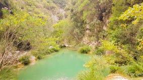 Mooi aardlandschap in Polilimnio in de Peloponnesus in Griekenland stock footage