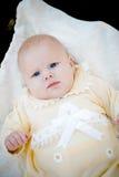 Mooi babymeisje op gras Royalty-vrije Stock Foto