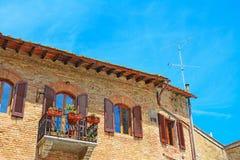 Mooi balkon in San Gimignano stock foto