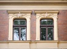 Mooi barok architecturaal venster stock foto