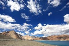 Mooi bergen en Pangong-Meer in Ladakh, HD Royalty-vrije Stock Afbeelding