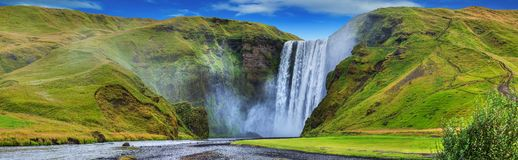 Mooi bergstroom van skogafoss… royalty-vrije stock foto's