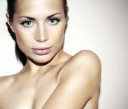 Mooi betoverend vrouwelijk gezicht royalty-vrije stock foto's