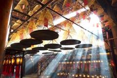 Mooi binnenland binnen de Mens Mo Chinese Temple stock afbeeldingen