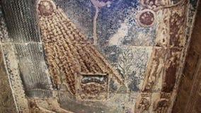 Mooi binnenland van de Tempel van Dendera of de Tempel van Hathor Beeld van de oude godin van de hemelnoot op stock video