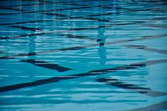 Mooi Blauw Water in Pool Royalty-vrije Stock Fotografie